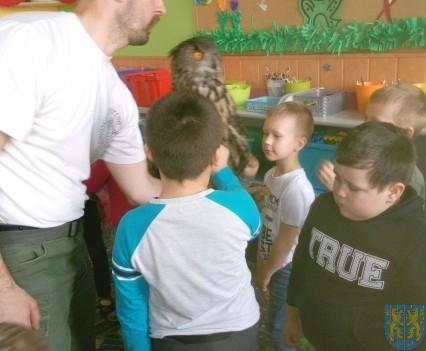 Dzikie zwierzątka z wizytą w  przedszkolu (14)