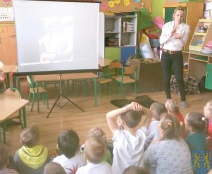 Dzikie zwierzątka z wizytą w  przedszkolu (2)