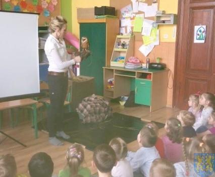 Dzikie zwierzątka z wizytą w  przedszkolu (4)
