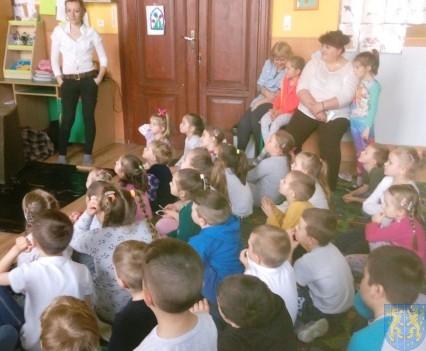 Dzikie zwierzątka z wizytą w  przedszkolu (7)