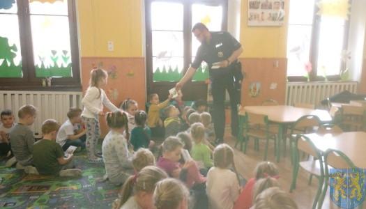 Policjant i przedszkolaki