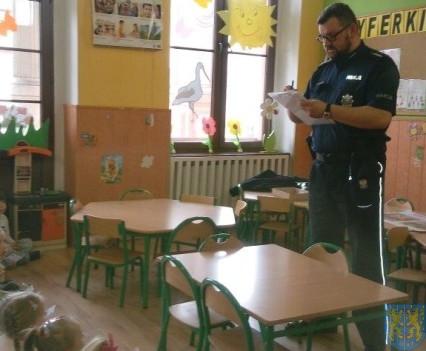 Policjant i przedszkolaki (3)