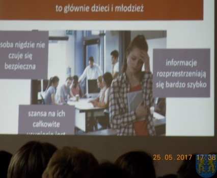 Jak zapobiegać cyberprzemocy (4)