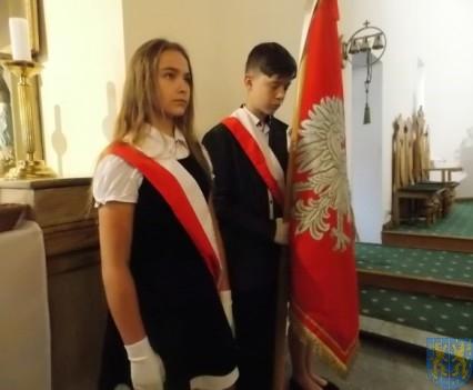 Rok szkolny w Szkole Podstawowej nr 2 im Papieża Jana Pawła II uroczyście zakończony (1)