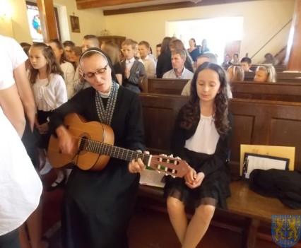 Rok szkolny w Szkole Podstawowej nr 2 im Papieża Jana Pawła II uroczyście zakończony (12)