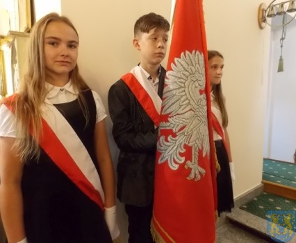 Rok szkolny w Szkole Podstawowej nr 2 im Papieża Jana Pawła II uroczyście zakończony (13)