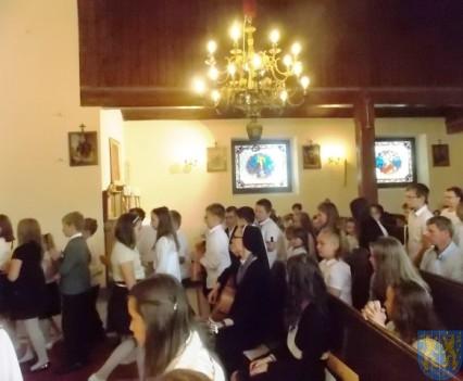 Rok szkolny w Szkole Podstawowej nr 2 im Papieża Jana Pawła II uroczyście zakończony (14)