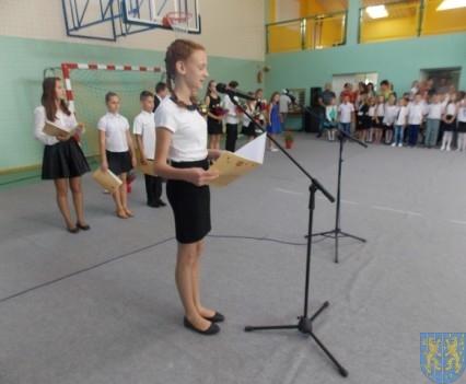 Rok szkolny w Szkole Podstawowej nr 2 im Papieża Jana Pawła II uroczyście zakończony (15)