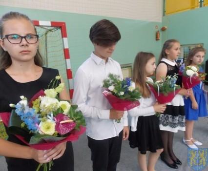 Rok szkolny w Szkole Podstawowej nr 2 im Papieża Jana Pawła II uroczyście zakończony (26)
