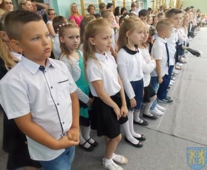 Rok szkolny w Szkole Podstawowej nr 2 im Papieża Jana Pawła II uroczyście zakończony (28)