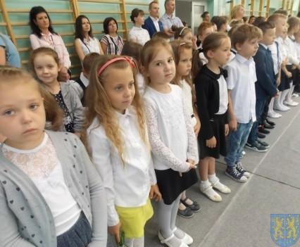 Rok szkolny w Szkole Podstawowej nr 2 im Papieża Jana Pawła II uroczyście zakończony (30)