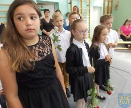 Rok szkolny w Szkole Podstawowej nr 2 im Papieża Jana Pawła II uroczyście zakończony (35)
