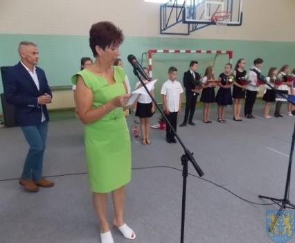 Rok szkolny w Szkole Podstawowej nr 2 im Papieża Jana Pawła II uroczyście zakończony (37)