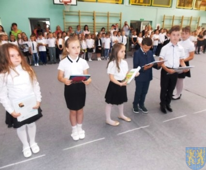 Rok szkolny w Szkole Podstawowej nr 2 im Papieża Jana Pawła II uroczyście zakończony (43)