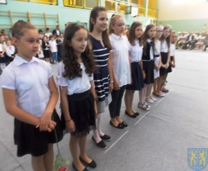 Rok szkolny w Szkole Podstawowej nr 2 im Papieża Jana Pawła II uroczyście zakończony (51)