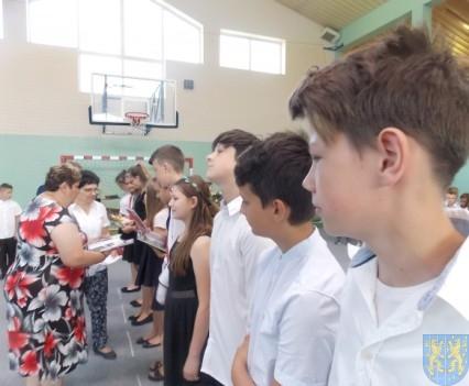 Rok szkolny w Szkole Podstawowej nr 2 im Papieża Jana Pawła II uroczyście zakończony (63)
