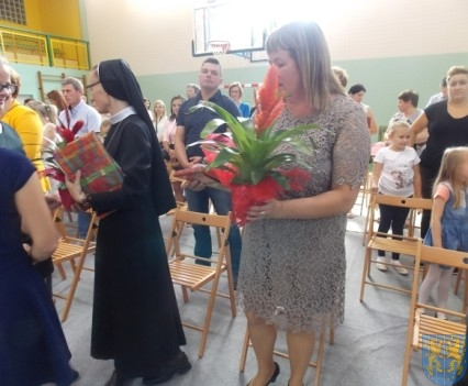 Rok szkolny w Szkole Podstawowej nr 2 im Papieża Jana Pawła II uroczyście zakończony (80)