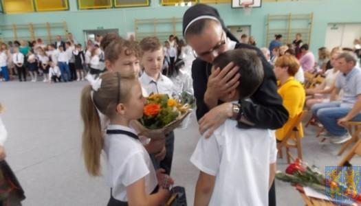 Rok szkolny w Szkole Podstawowej nr 2 im. Papieża Jana Pawła II uroczyście zakończony