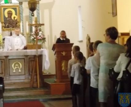 Rok szkolny w Szkole Podstawowej nr 2 im Papieża Jana Pawła II uroczyście zakończony (9)