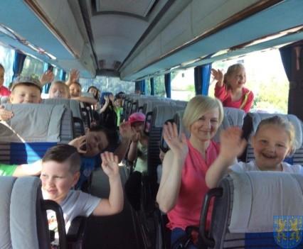 Wycieczka przedszkolaków do Folwarku Leszczynówka (2)
