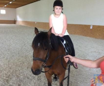 Wycieczka przedszkolaków do Folwarku Leszczynówka (23)