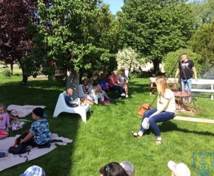 Wycieczka przedszkolaków do Folwarku Leszczynówka (9)