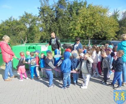 Punkt Selektywnej Zbiórki Odpadów Komunalnych widziany przez dzieci (18)