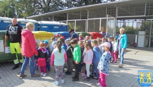 Punkt Selektywnej Zbiórki Odpadów Komunalnych widziany przez dzieci