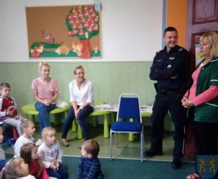 Pan policjant i przedszkolaki (10)