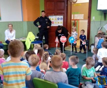 Pan policjant i przedszkolaki (14)