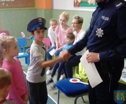 Pan policjant i przedszkolaki (21)