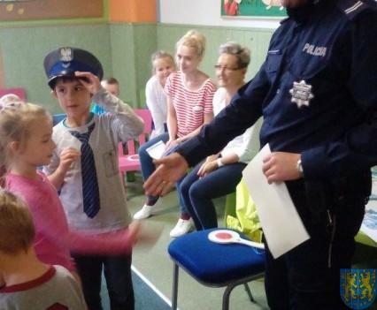 Pan policjant i przedszkolaki (22)