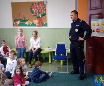 Pan policjant i przedszkolaki (8)