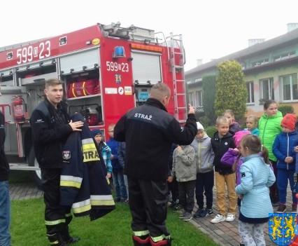 Strażacy na lekcji u pierwszaków (5)