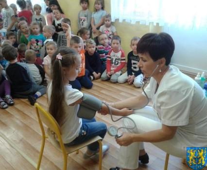 Wizyta pielęgniarki w Baśniowej Krainie (13)