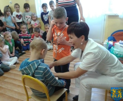Wizyta pielęgniarki w Baśniowej Krainie (14)
