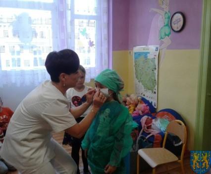 Wizyta pielęgniarki w Baśniowej Krainie (18)
