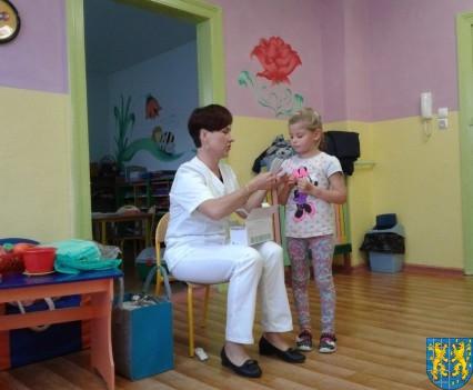 Wizyta pielęgniarki w Baśniowej Krainie (2)