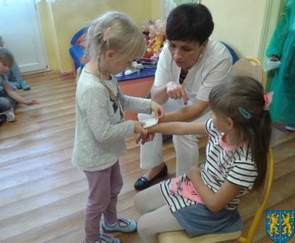 Wizyta pielęgniarki w Baśniowej Krainie (21)