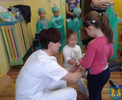 Wizyta pielęgniarki w Baśniowej Krainie (23)