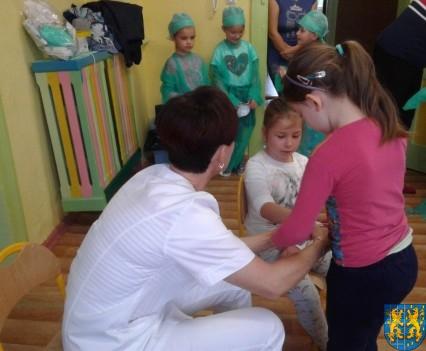 Wizyta pielęgniarki w Baśniowej Krainie (24)