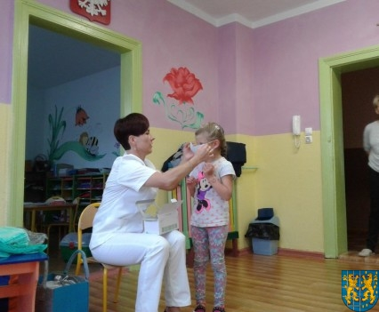 Wizyta pielęgniarki w Baśniowej Krainie (3)
