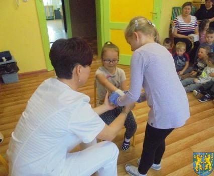 Wizyta pielęgniarki w Baśniowej Krainie (34)