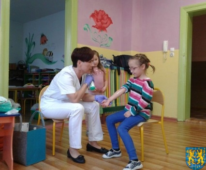 Wizyta pielęgniarki w Baśniowej Krainie (4)