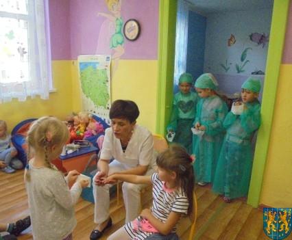 Wizyta pielęgniarki w Baśniowej Krainie (50)