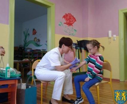 Wizyta pielęgniarki w Baśniowej Krainie (6)