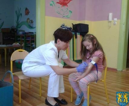 Wizyta pielęgniarki w Baśniowej Krainie (8)