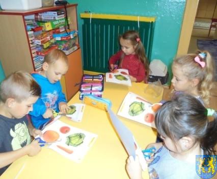 Zdrowo rośniemy bo warzywa i owoce jemy (13)