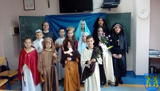 Święci w naszej szkole