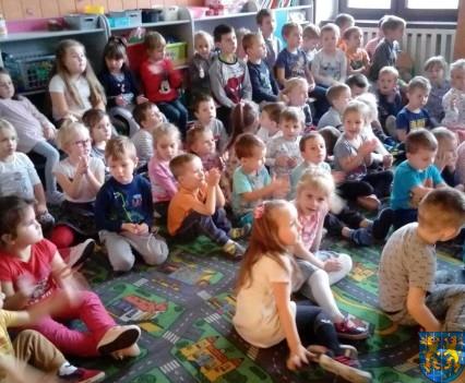 Tęczowe kłopoty w Przedszkolu nr 2 (8)